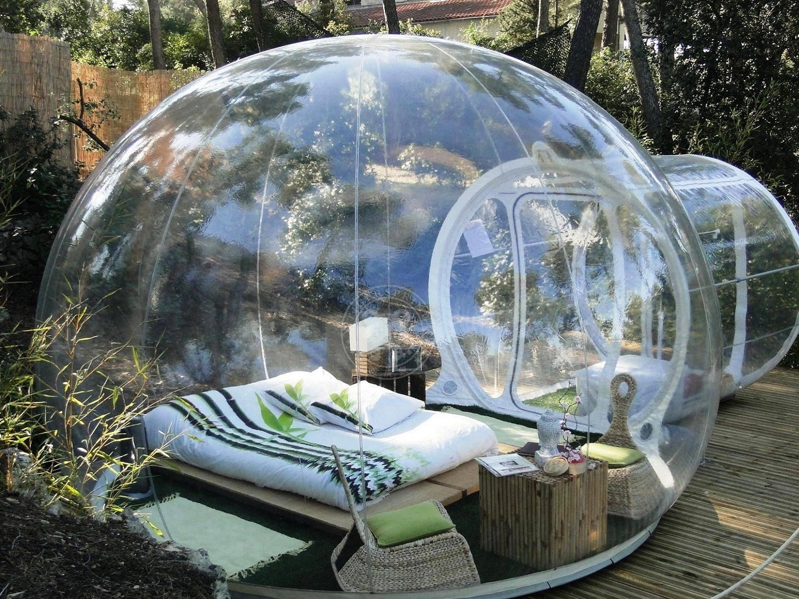 Presentation of the Crystal Bubble hut. Crystal Bubbleu0027s shape was voluntarily designed with the goal to offer a dreamy space without disturbing the nature ... & inflatable crystal bubble inflatable tent manufacturing