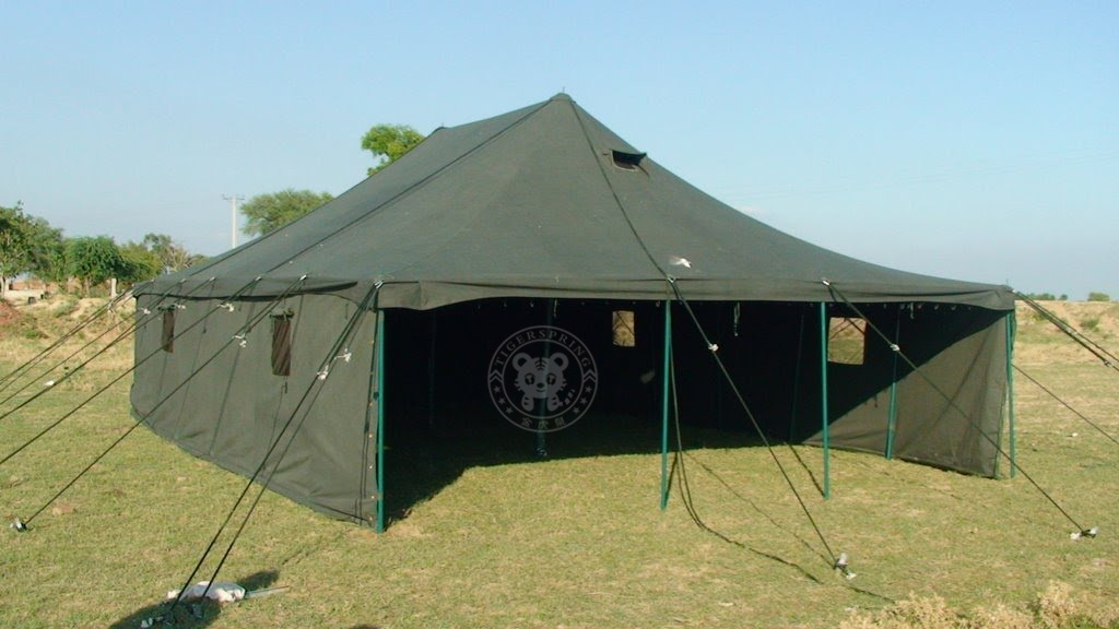 16*8m XL general purpose canvas military tent disaster relief tent. This mess tent consists of a roof and 2 side walls. 8 idable center bars ... & outdoor military tent canvas military tent